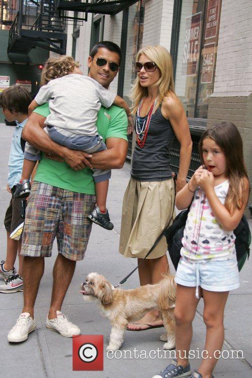 Kelly Ripa and Mark Consuelos take their children...