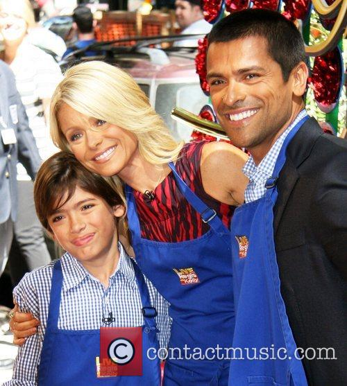 Kelly Ripa and Abc 4