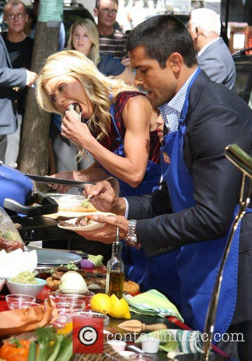 Kelly Ripa and Abc 8