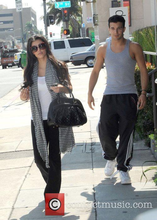 Kim Kardashian and Dancing With The Stars 6