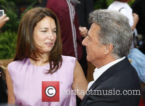 Dustin Hoffman and His Wife Lisa Gottsegen 8