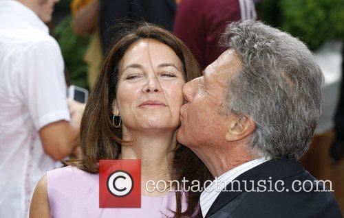 Dustin Hoffman and His Wife Lisa Gottsegen 11