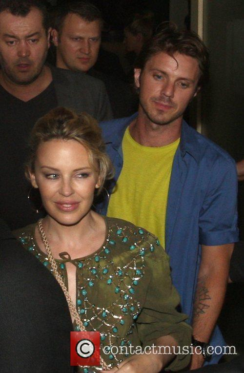 Kylie Minogue and Jake Spears Leaving Nobu 4
