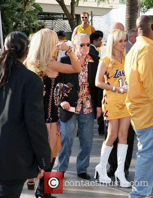 Kendra Wilkinson, Hugh Heffner and Staples Centre 3