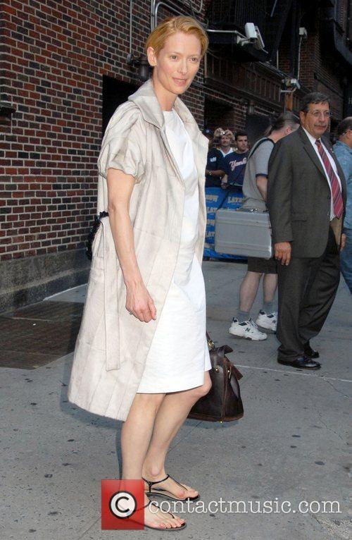 Tilda Swinton and David Letterman 7
