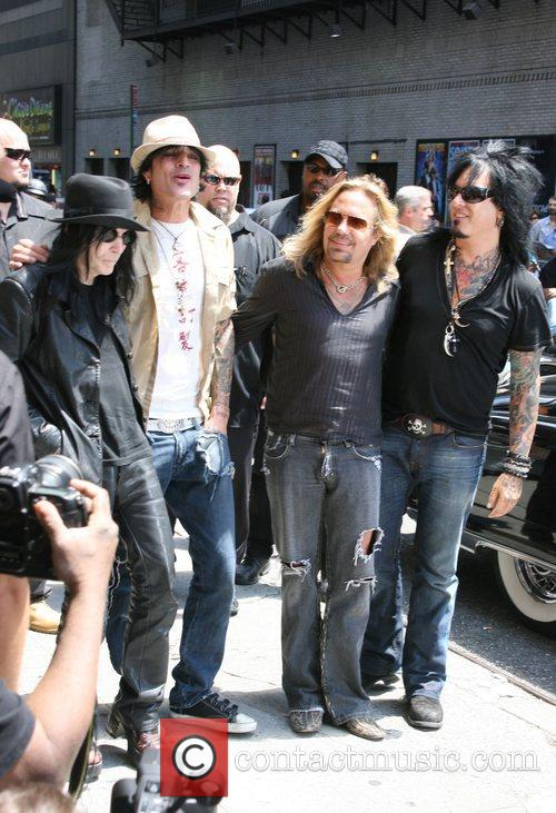 Mick Mars, David Letterman, Motley Crue, Nikki Sixx, Tommy Lee and Vince Neil 5