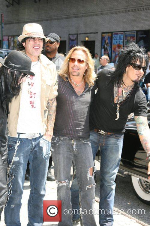 Mick Mars, David Letterman, Motley Crue, Nikki Sixx, Tommy Lee and Vince Neil 2