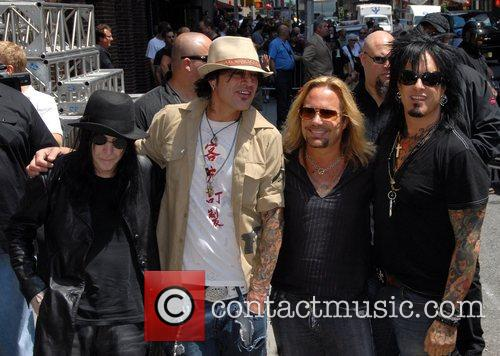 Motley Crue, David Letterman, Nikki Sixx and Vince Neil 3