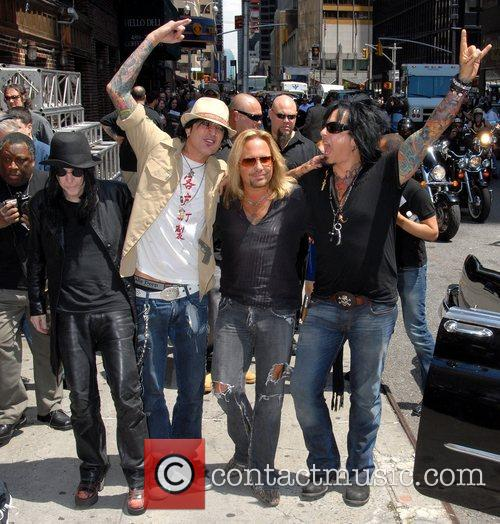 Motley Crue, David Letterman, Nikki Sixx and Vince Neil 6