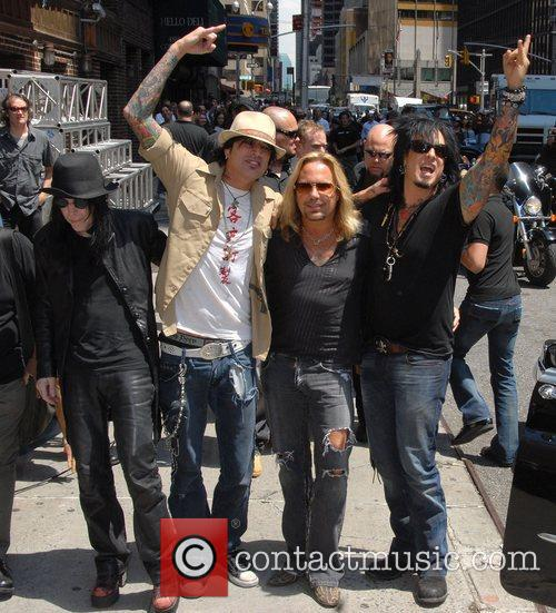 Motley Crue, David Letterman, Nikki Sixx and Vince Neil 7