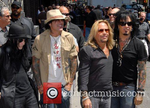 Motley Crue, David Letterman, Nikki Sixx and Vince Neil 4