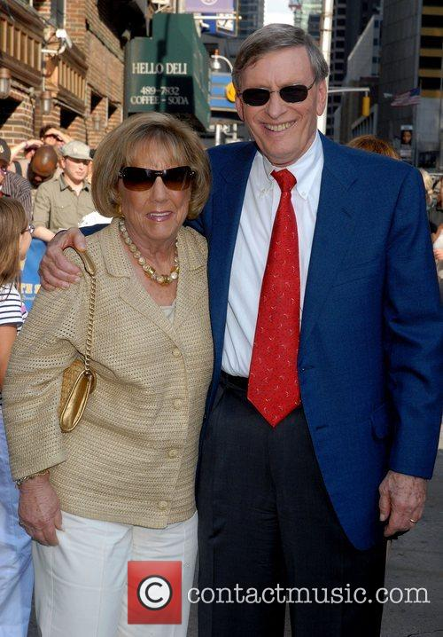 Bud Selig with his wife outside the Ed...
