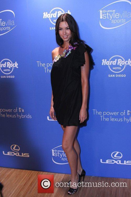 Sara Larson Lexus Power of the H gala...