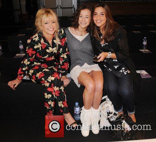 Jo Wood, Leah Wood and Melanie Blatt 1