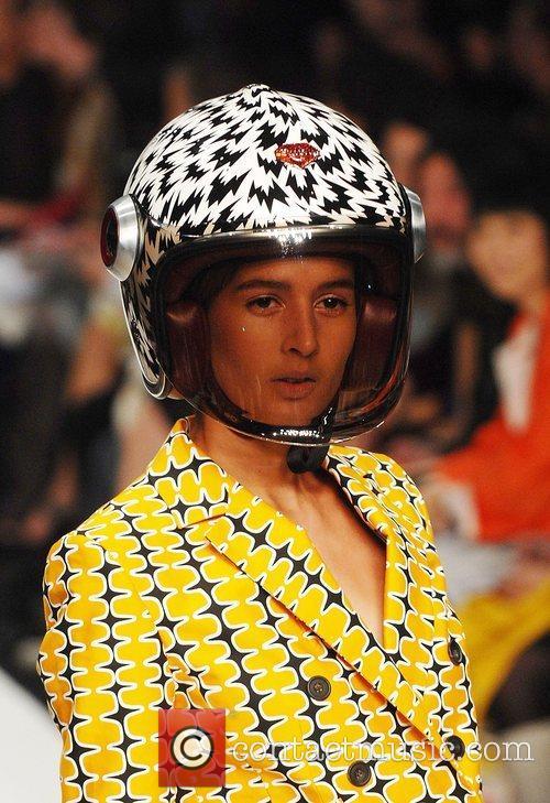 Model London Fashion Week - Eley Kishimoto -...