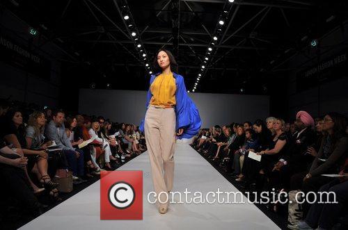 Model London Fashion Week - Spring/Summer 2009 -...