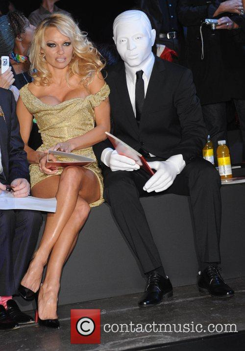 Pamela Anderson, London Fashion Week