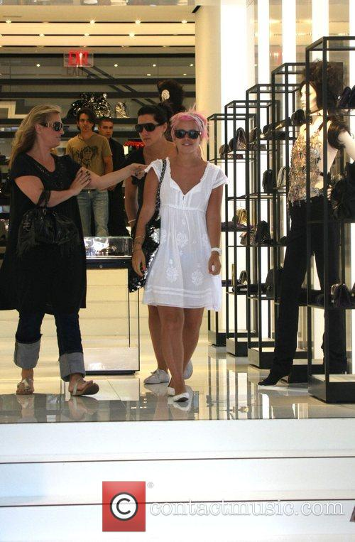Lily Allen  shopping at Sunset Plaza before...