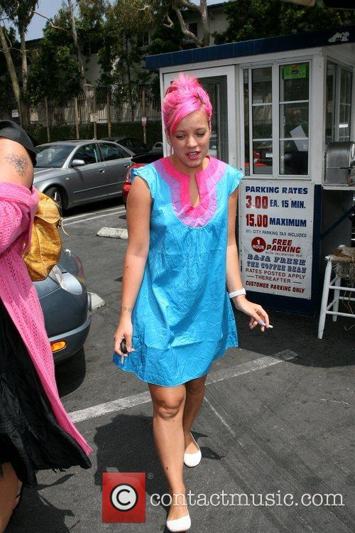 Lily Allen leaves The Coffee Bean & Tea...