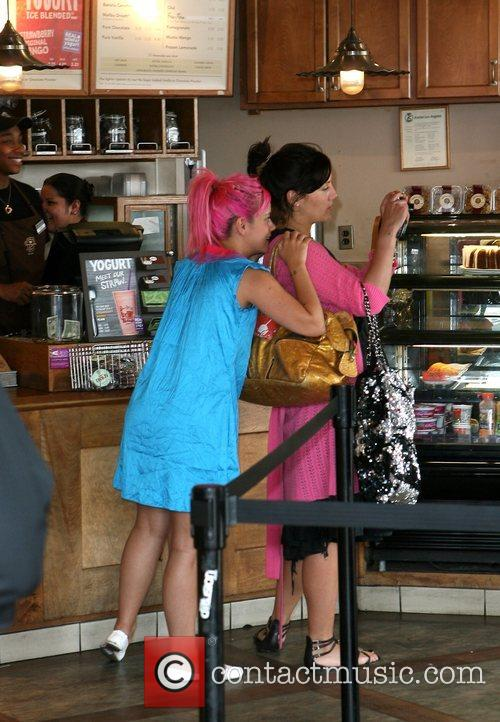 Lily Allen buys a drink at The Coffee...