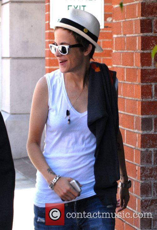 Samantha Ronson spends the day shopping and eating...