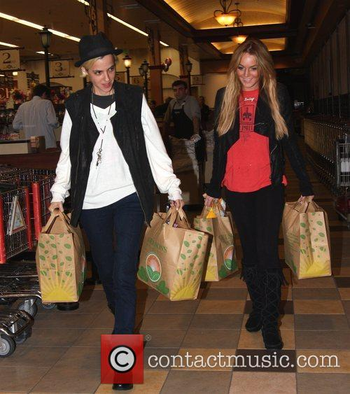 DJ Samantha Ronson and her girlfriend Lindsay Lohan...