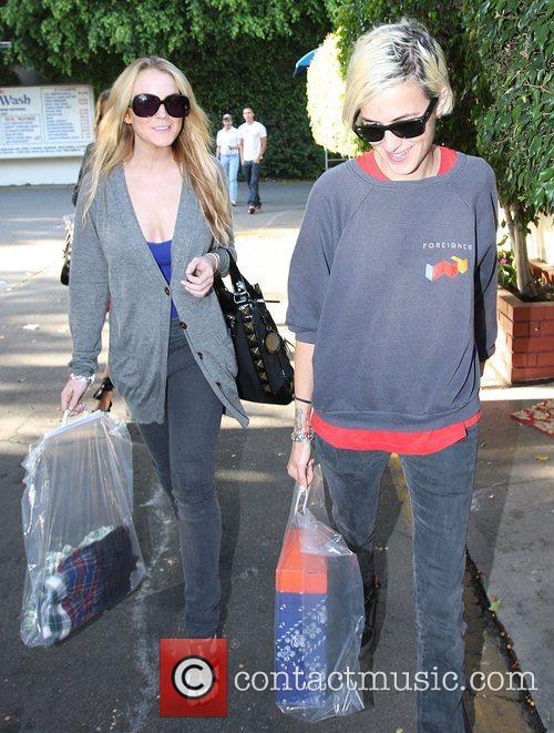 Lindsay Lohan and Samantha Ronson 7