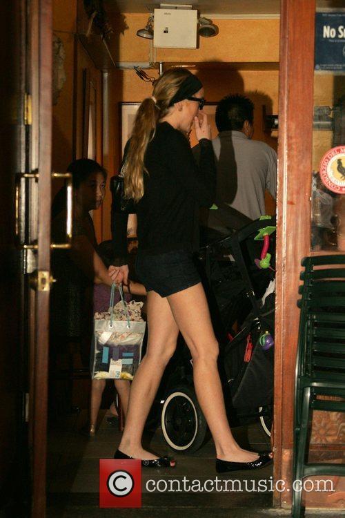 Lindsay Lohan has lunch with Samantha Ronson at...