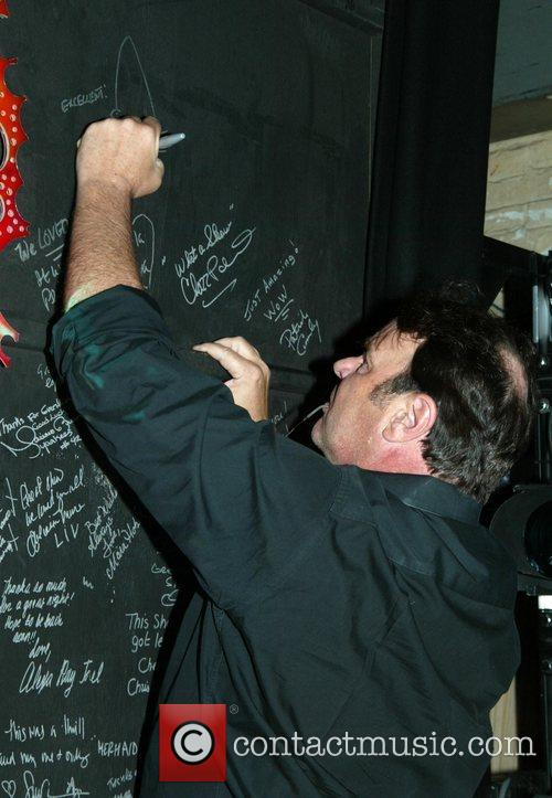 Dan Aykroyd and Lunt-Fontanne Theatre 3