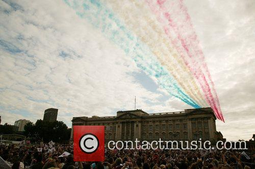 The Red Arrows The Olympic handover celebrations -...