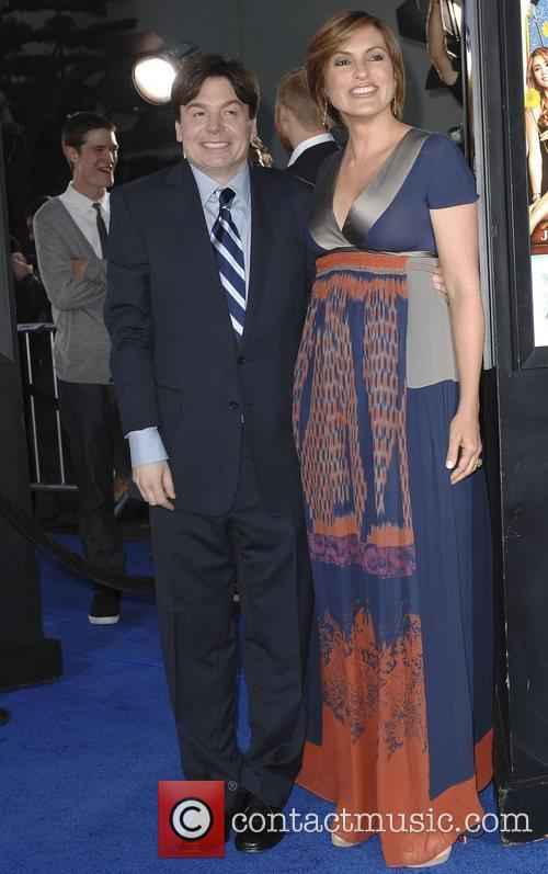 Mike Myers and Mariska Hargitay 11