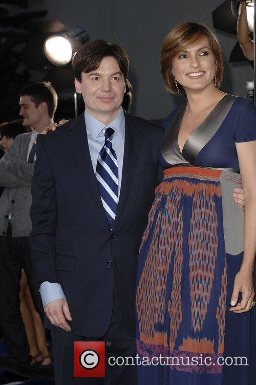 Mike Myers and Mariska Hargitay 10