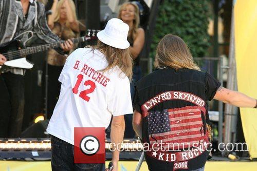 Kid Rock and Johnny Van Zant 3