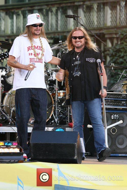 Kid Rock and Johnny Van Zant 10