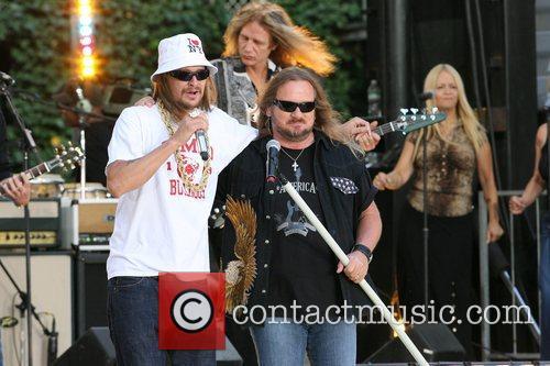 Kid Rock and Johnny Van Zant 2