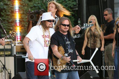 Kid Rock and Johnny Van Zant 4