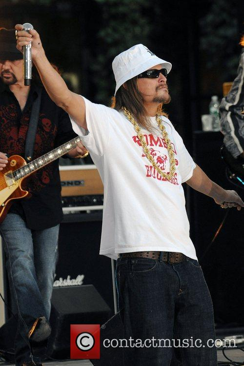 Lynyrd Skynrd with Kid Rock perform live for...