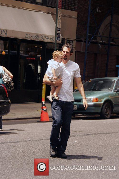 Guy Oseary and His Child 1