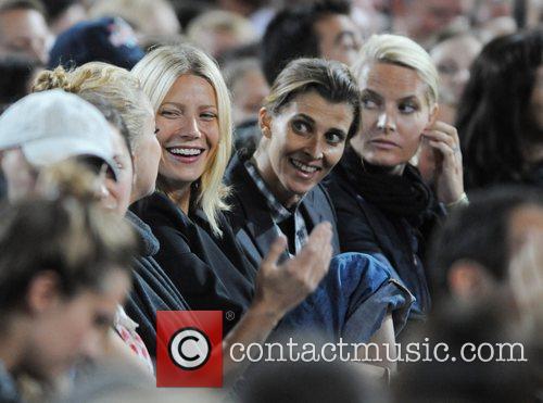 Kate Hudson and Gwyneth Paltrow 5