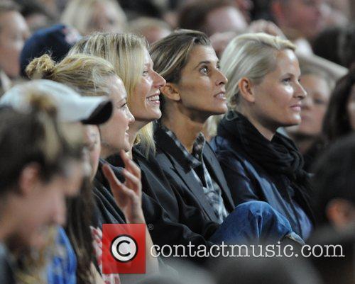 Kate Hudson and Gwyneth Paltrow 7