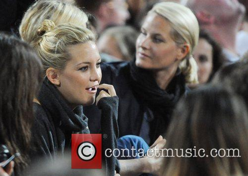 Kate Hudson, Wembley Stadium