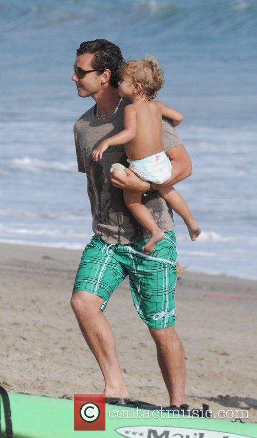 Gavin Rossdale and Son Kingston Rossdale On Malibu Beach 6