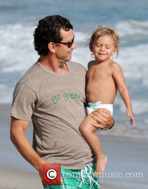 Gavin Rossdale and son Kingston Rossdale on Malibu beach 21