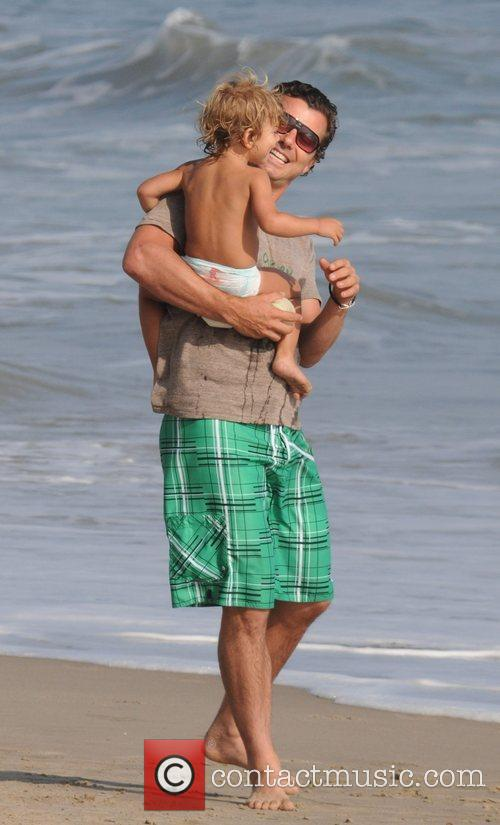 Gavin Rossdale and Son Kingston Rossdale On Malibu Beach 11