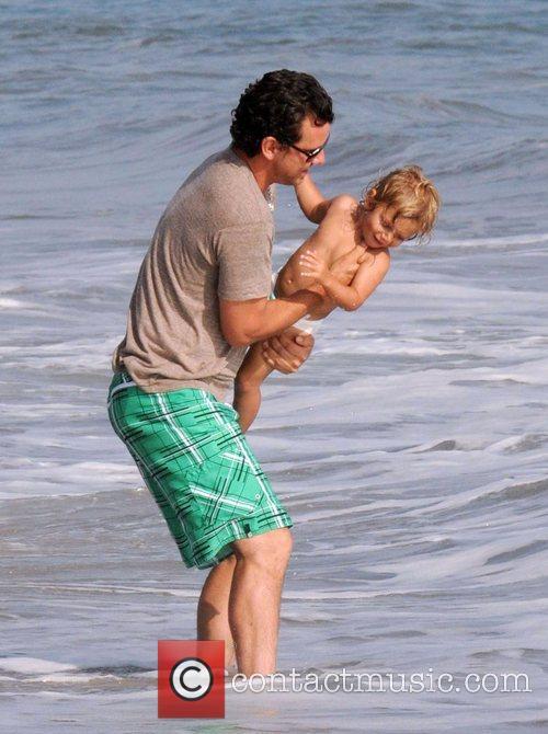 Gavin Rossdale and son Kingston Rossdale on Malibu beach 18