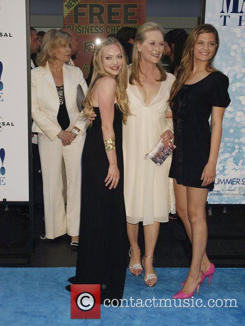 Amanda Seyfried and Meryl Streep 6