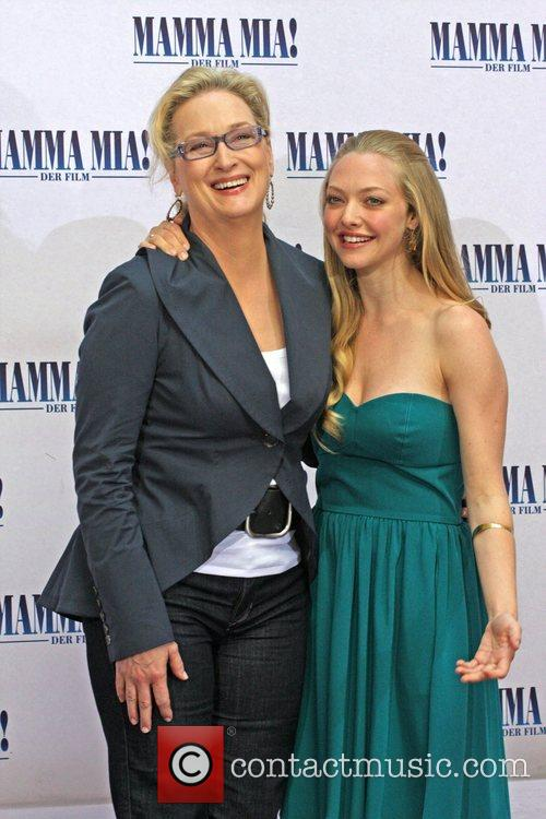 Meryl Streep and Amanda Seyfried 8