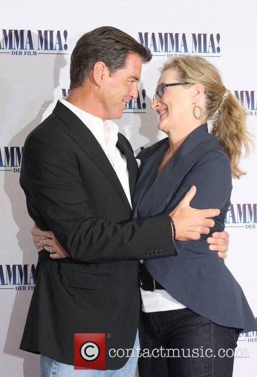 Pierce Brosnan and Meryl Streep 5