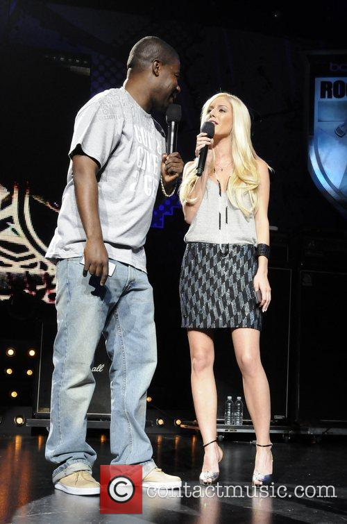 Heidi Montag and Tracy Morgan Performing At The Boost Mobile Rock Corps At The Gibson Amphitheatre In Universal City 10