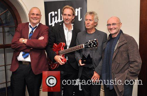 All Murray poses with Genesis, Mike Rutherford, Tony...